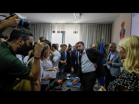 فتح تحقيق إيطالي بشبهة الخطف يطال سالفيني بسبب سفينة المهاجرين…  - نشر قبل 7 ساعة