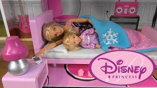 Barbie vs. Princess Cinderella Morning Routine Story with Barbie Sparkle Mansion, Cinderella Castle