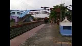 CHENNAI EXPRESS RUNNING ON PLATFORM