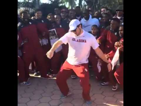 Baker Mayfield does the whip