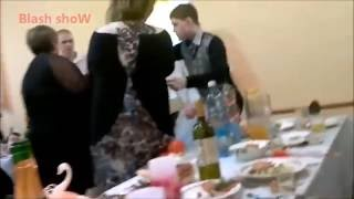 Невестка подралась со свекром на собственной свадьбе)