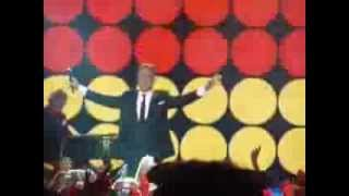 "ROBBIE WILLIAMS - ""SHINE MY SHOES - CIN ROCKS London 12th Nov 2013"