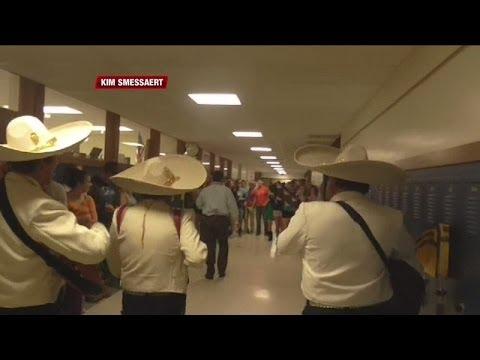 Slinger students hire mariachi band as senior prank