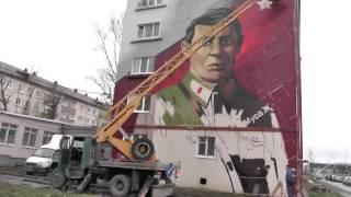 Собянин подарил казанцам 10 метровый портрет Мусы Джалиля
