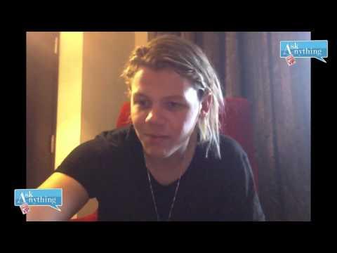 Conrad Sewell Interactive Chat w/ Romeo Saturday Night Online  - AskAnythingChat