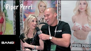 Piper Perri is left handed!