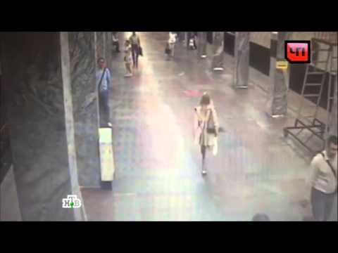 Видео: Камера в метро записала похитительницу собаки поводыря слепой певицы