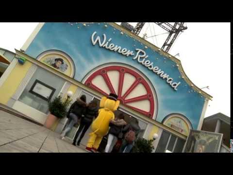 Gelber Elefant stürmt Wiener Riesenrad - BILD