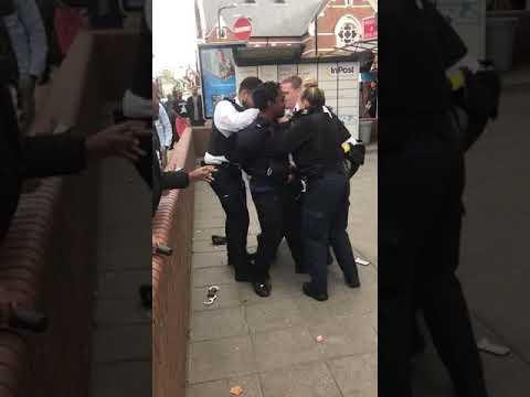 Police brutality in Harlesden. London 5.10.18