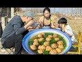 【农家的小勇】小勇改造农家院,全家丸子汤配手抓饼,大肉丸子,吃着太香了