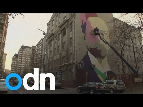 Huge art project brightens up Moscow streets
