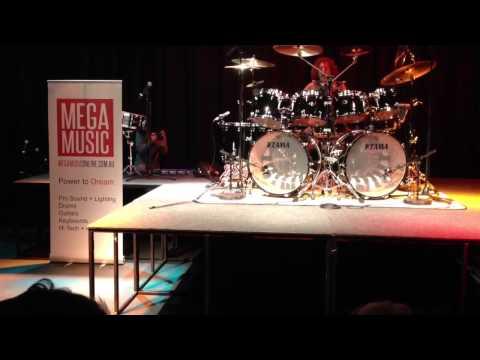 Simon Phillips MEGA MUSIC Drum Clinic.