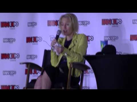 Gillian Anderson Q&A Fan Expo 2015