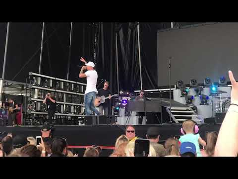 Used To Love You Sober - Kane Brown (Live Atlantic City)