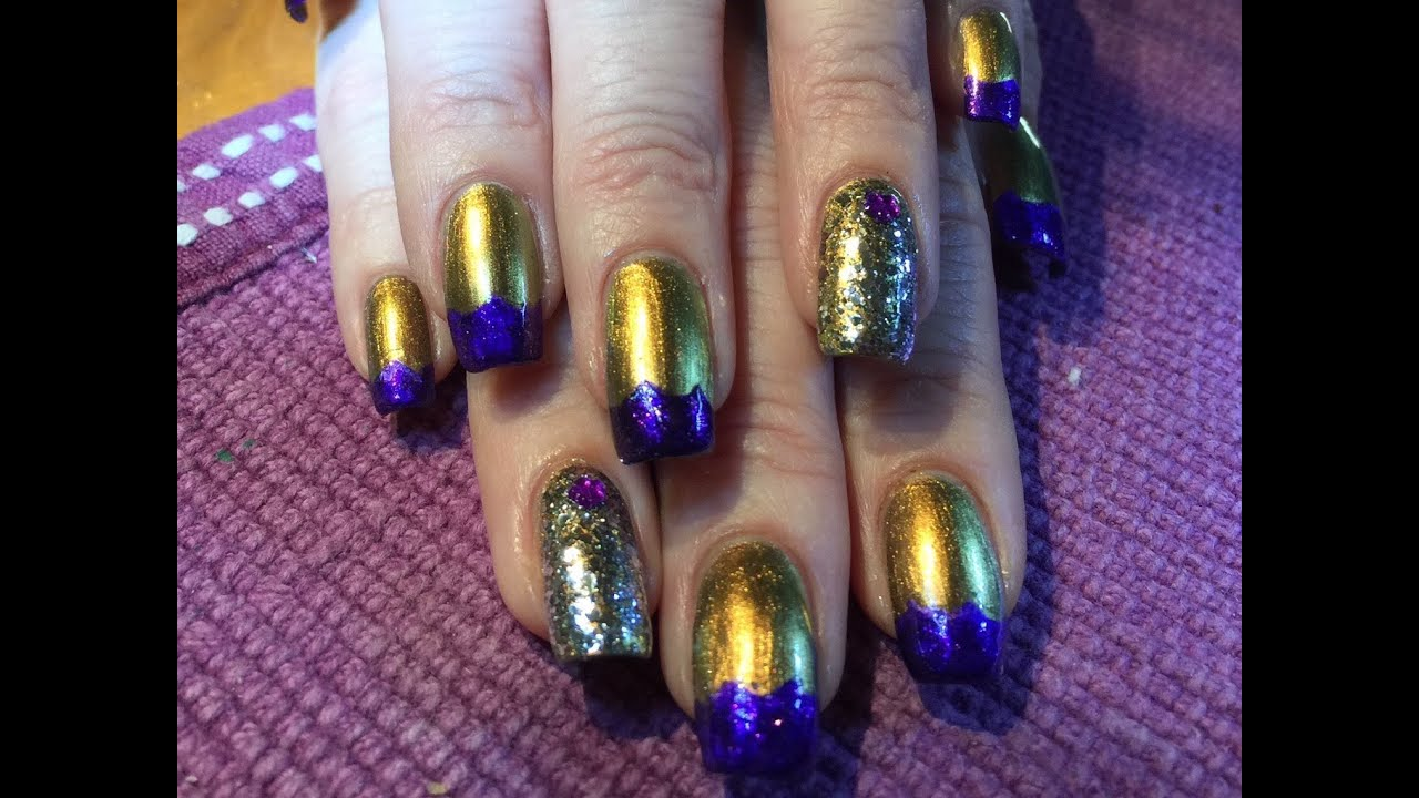 Scalloped metallic French manicure with glitter accent nail - YouTube