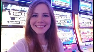 Live From the Casino! Let's Play Some Lightning Link!