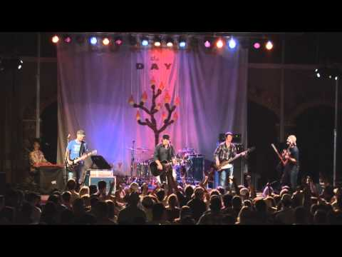 "Randy Rogers Band ""Kiss me in the Dark"" LIVE"