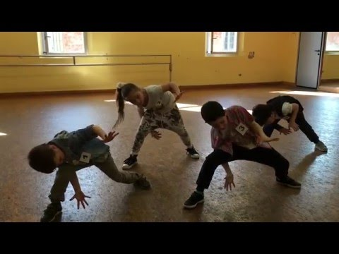 Uptown Funk - A lezione di Hip Hop - corso ragazzi 6/8 anni - CID Accademia Danza - Parma