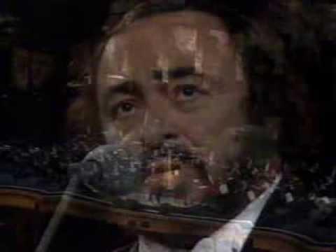 Pavarotti Voces en Chichén Itzá México 1997