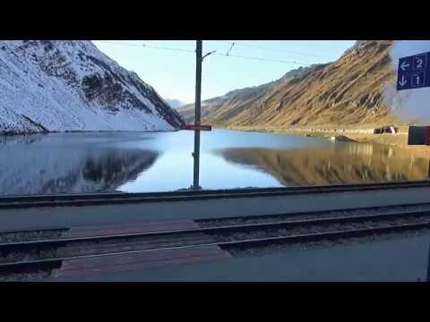 Travel trains Switzerland - Oberalp Pass