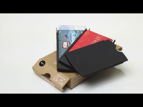 Moo Showcase Business Card Holder Review