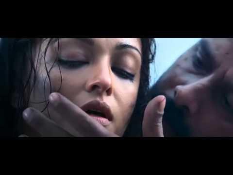 Kaatu siriki Kuruvama Raavanan Love scenes...