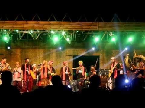 Banyuwangi Jazz Patrol Kampong Temenggungan, Trie Utami, dan kolaborasi Ethnicholic Project