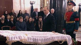 روسيا تودع سفيرها المخضرم كارلوف في جنازة رسمية بموسكو