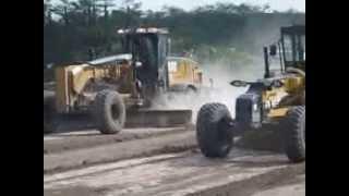 Drag Race GD755 vs CAT 14M