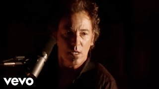 Смотреть клип Bruce Springsteen - Radio Nowhere
