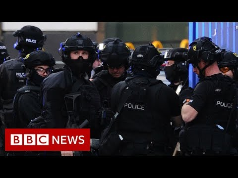London Bridge attack: Man shot dead after killing two - BBC News