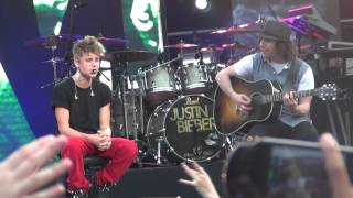Justin Bieber - Die In Your Arms - MTV WORLD STAGE MALAYSIA 2012 (LIVE)