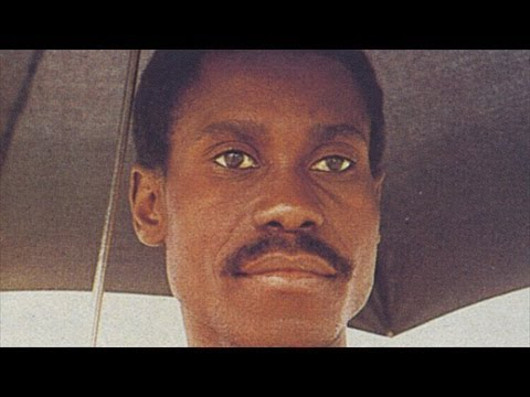 Pierre Akendengue - Chant du coupeur d'oukoume (Africa obota / Nandipo)