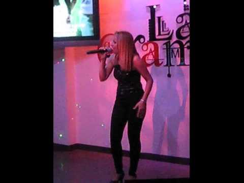 Manoli Martinez Fernandez en Karaoke La Gramola Murcia