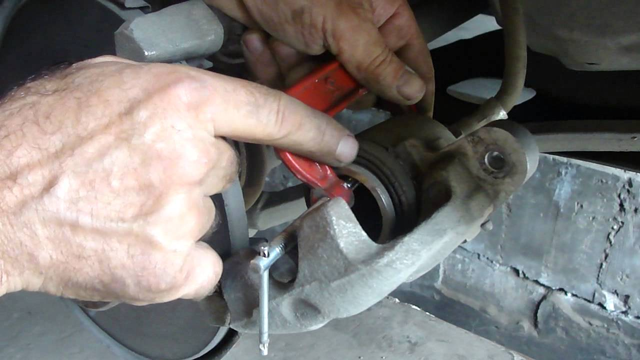 Replacement of VAZ 2114 brake discs with your own hands
