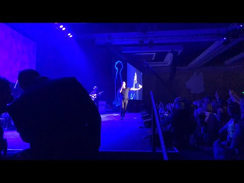 Rob Thomas performs at the VMX Conference