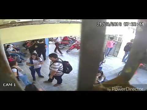 Bandido armado invade escola e assalta funcionários e estudantes no Bairro Walfredo Gurgel em Mossoró