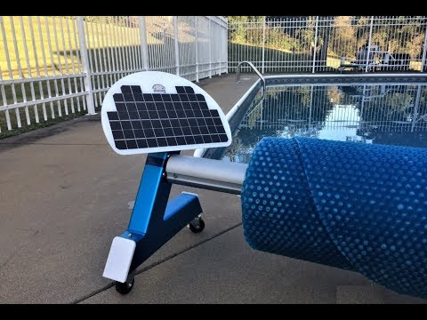 Automatic, remote controlled, battery powered solar blanket cover pool reel roller - on wheels