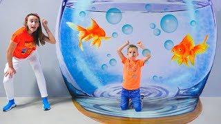 Vlad y mamá juegan en el museo infantil de Dubai