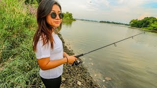 Alligators In The Potomac River? ULTRALIGHT Bank Fishing With Girlfriend