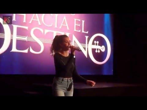 PAULINA GOTO - CANTA TEMA - TELENOVELA - UN CAMINO HACIA EL DESTINO