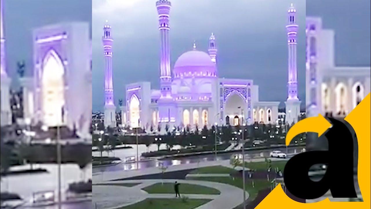 Ajaib Setiap Kali Adzan Berkumandang Masjid Ini Berubah Warna