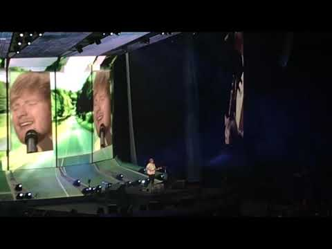 Ed Sheeran - Castle On The Hill - 2018-10-20, US Bank Stadium; Minneapolis, Minnesota