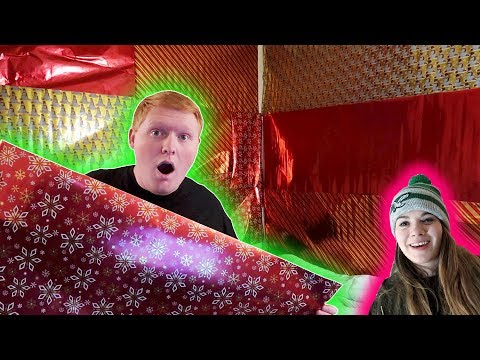 CHRISTMAS WRAPPING PAPER ROOMMATES ROOM! *Jeff Saxton Vlogs*