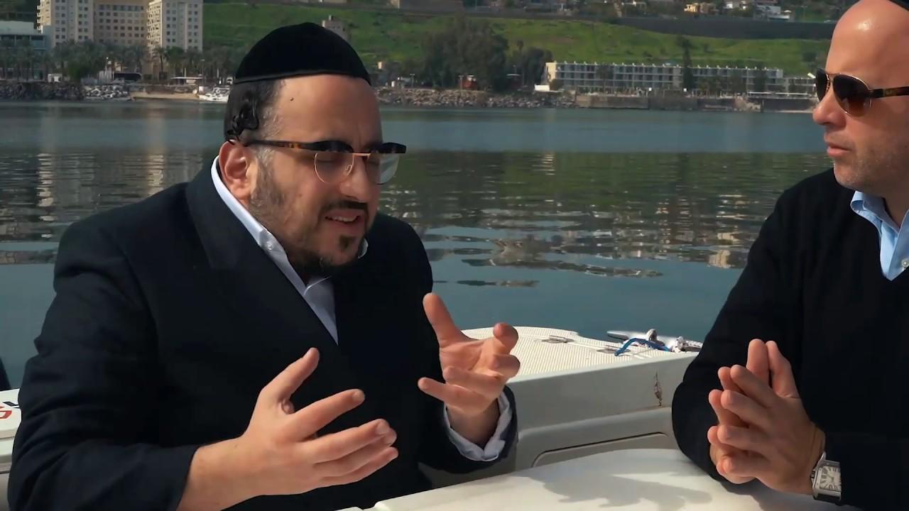 Lipa Schmaltzer and Menachem Toker | הזמר ליפא שמעלצר בראיון בלעדי עם מנחם טוקר