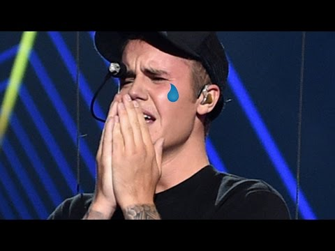 """10 Times Justin Bieber Said """"Sorry"""" In 2015"""