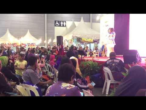 Wany hasrita - menahan rindu (singapore expo)