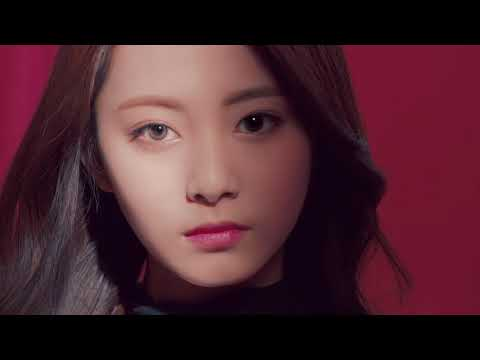 twice-x-acuvue-define-|-what's-your-chic?-30s