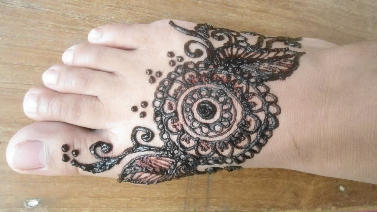 13 Unique Henna Designs Doing The Rounds This Wessing: How To Draw Unique & Simple Henna Design