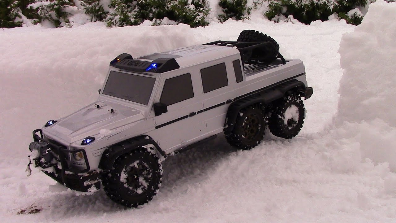 rc trail 6x6 mercedes too much snow youtube. Black Bedroom Furniture Sets. Home Design Ideas